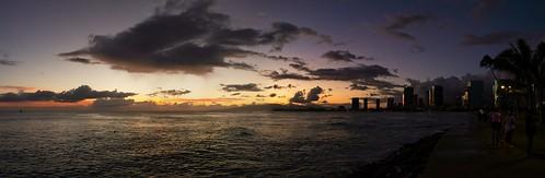 sony a6400 sigma 16mmf14 sunset sky sea clouds cplfilter city honolulu hawaii oahu ocean