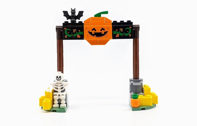 40423: Halloween Hayride Set Review