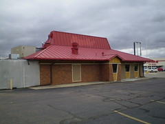 Former Pizza Hut - Madison, SD - 01