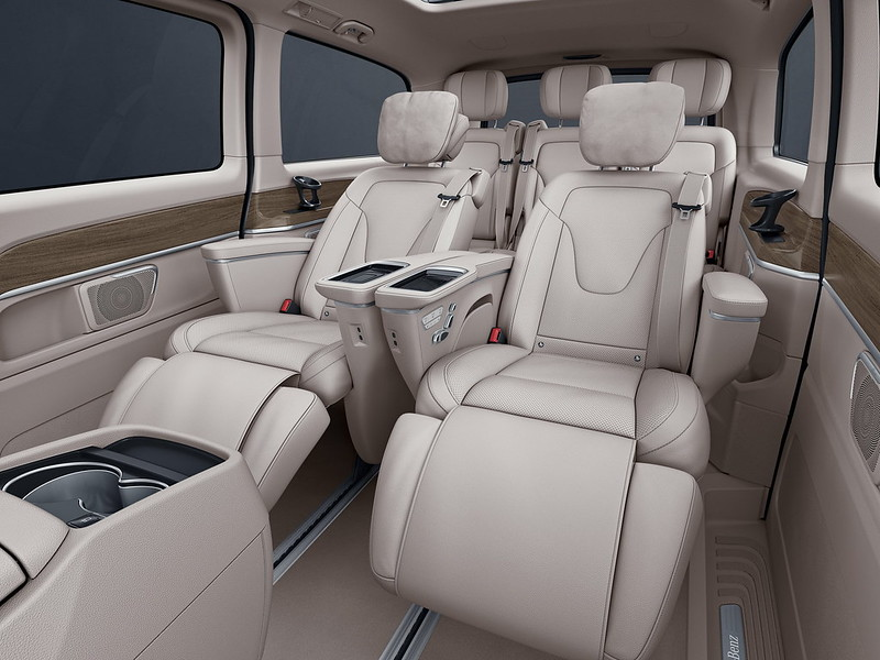 2021-mercedes-benz-v-class-china-11