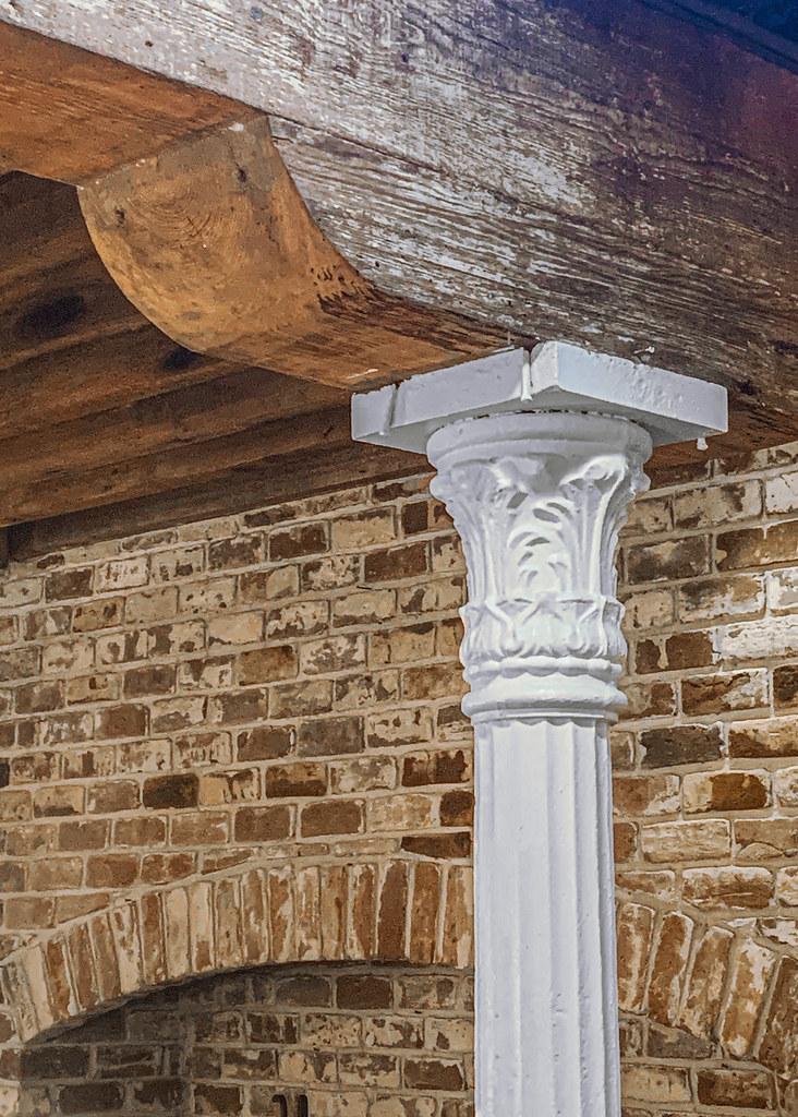 Savannah Georgia / interior / beam / cast iron column