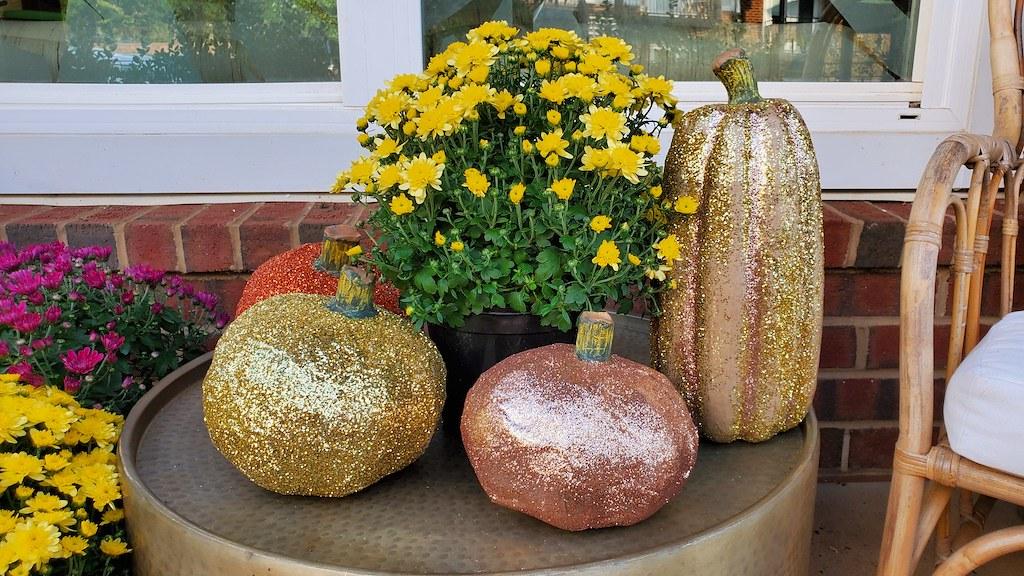 Glittery pumpkins and mums