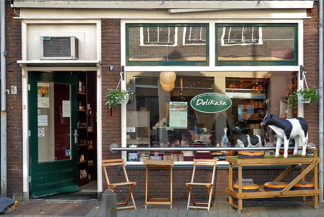 Doesburg: Delikasa shop front