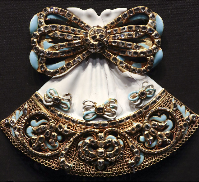 Bodice ornament, France, about 1650, Table-cut diamonds set in gold with enamel