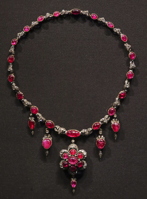 Necklace, England, probably 1874-87, Cabochon-cut rubies and brilliant-cut diamonds set in gold and silver.