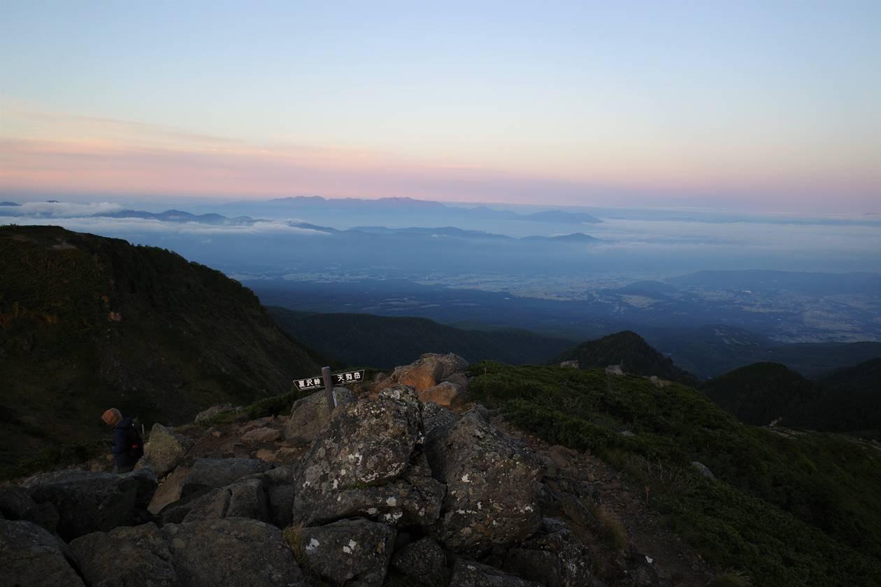 根石岳山頂からの展望