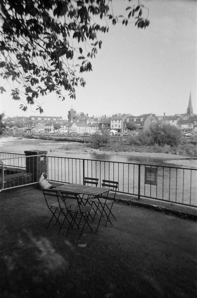 Shady Seating - Dubblefilm Show with Kentmere Pan 400.