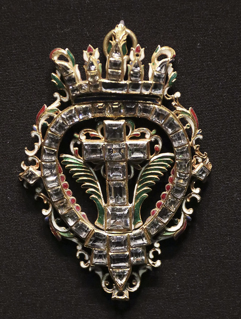 Pendant, Spain, 1620-30, Enamelled gold and table-cut rock crystals