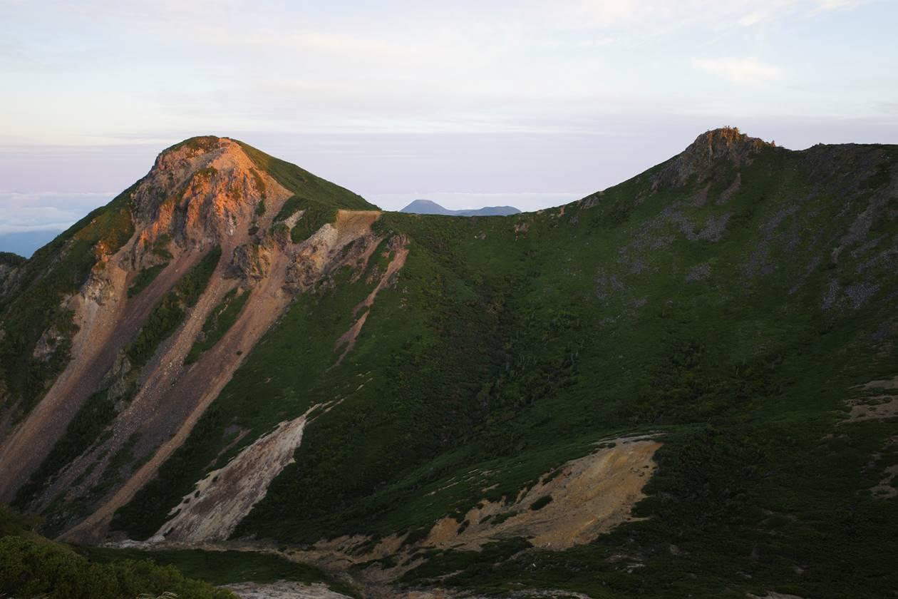 根石岳から眺める天狗岳
