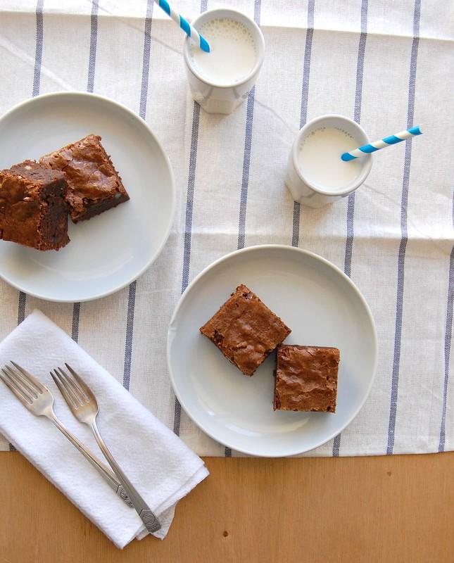 Brownies com farinha integral e macadâmia