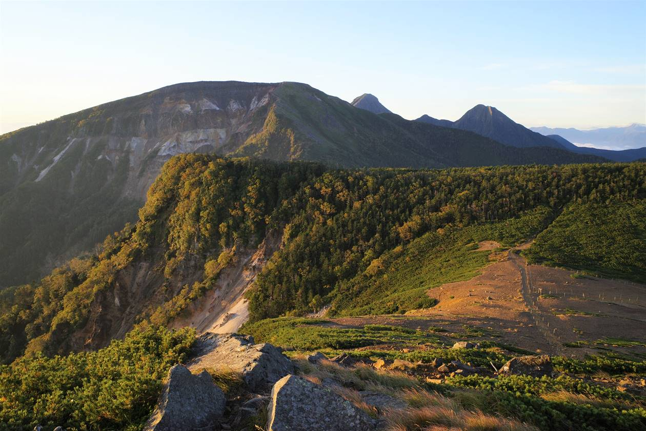 八ヶ岳・根石岳で迎える朝