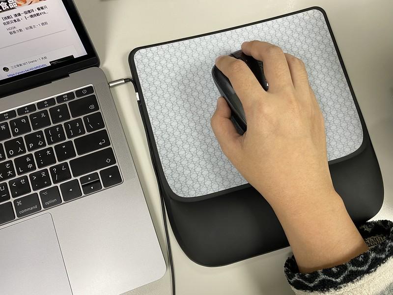 3Mergo人體工學滑鼠墊評價分享,高支撐、保護手腕,長期使用電腦必備! @秤瓶樂遊遊