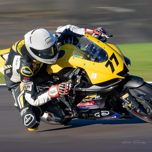(77) Arscott Racing Kawasaki 300