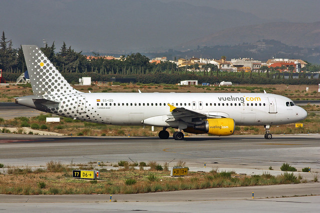 EC-IZD Airbus A.320-214 Vueling Airlines Named Barceloning AGP 19-09-10
