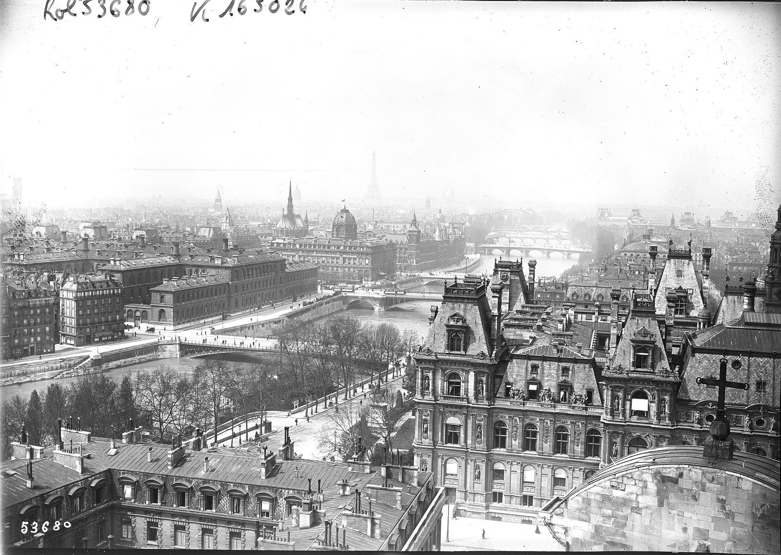 1919. Аэрофотоснимок Парижа в сторону Эйфелевой башни
