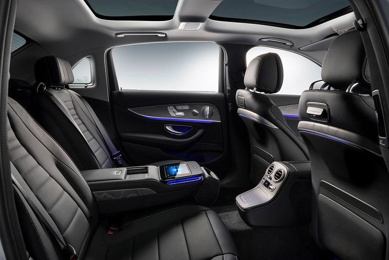 2021-Mercedes-E-Class-L-5