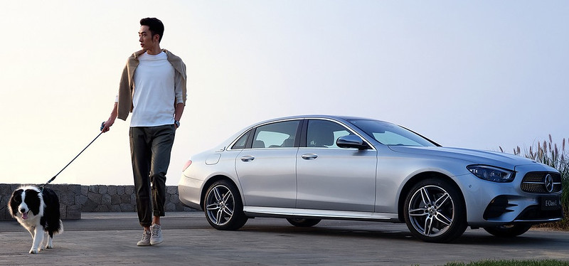 2021-Mercedes-E-Class-L-19