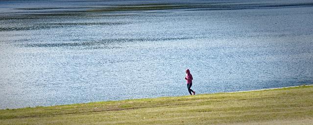 Courir au bord de l'eau