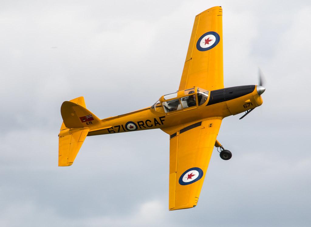de Havilland DHC-1 Chipmunk T10 - G-BNZC / 671