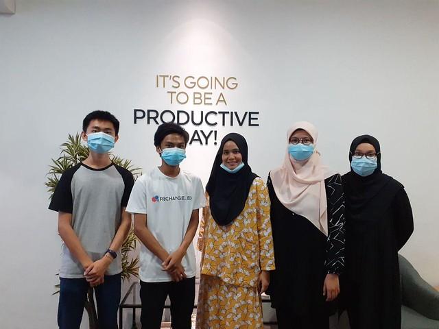 Anak Muda Bantu Pelajar di Malaysia Mengharungi Wabak Covid-19