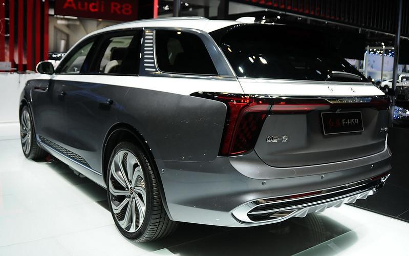 2021-hongqi-e-hs9-10