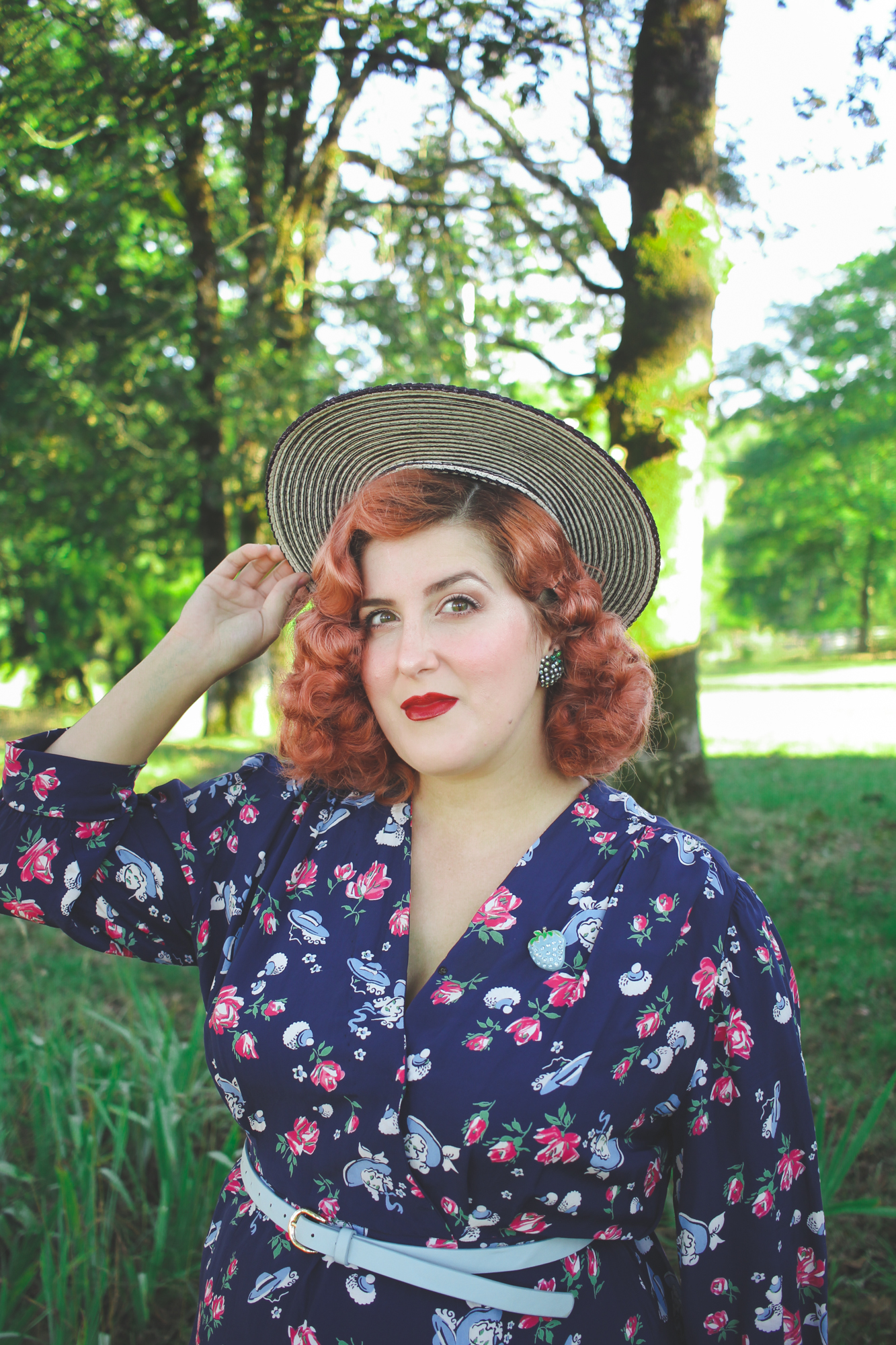 1940s halo hat, 1940s novelty print dress