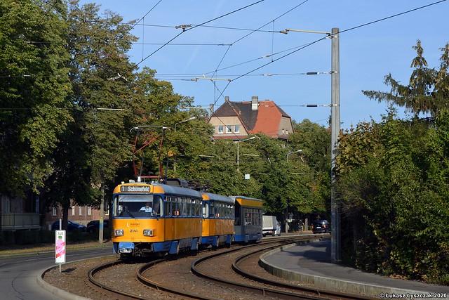 Tatra T4D-M1 #2141 + T4D-M2 #2089 + Bombardier NB4 #922