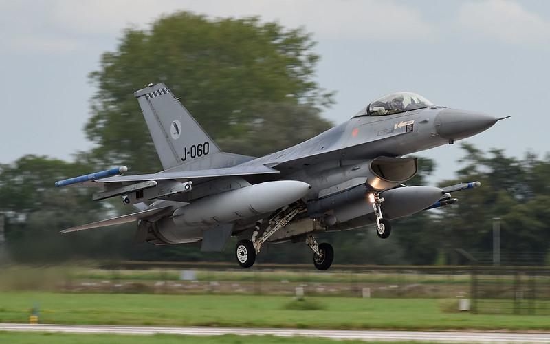 1-F-16A-RNLAF-J-060