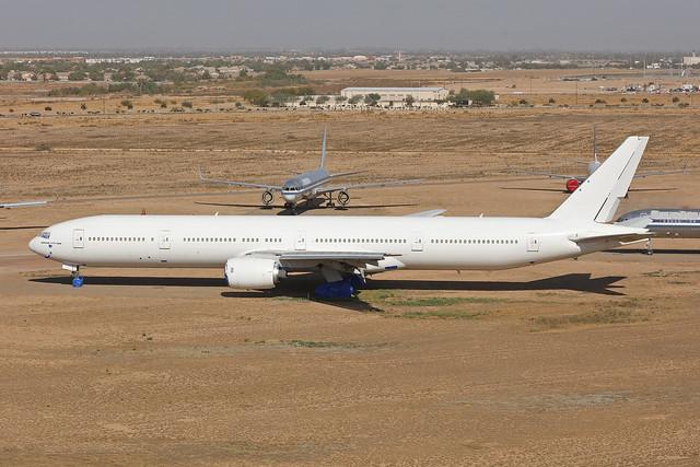 A6-EMP/N939AR, Boeing 777-300, Emirates, Goodyear - Arizona