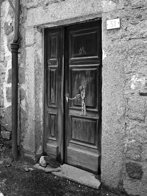 Porte chiuse - Closed doors n. 8