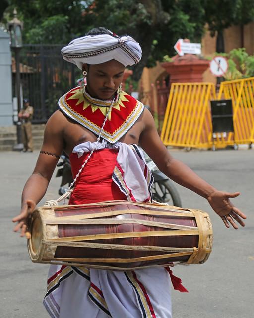 Perahera Drummer (1X7A6736b)