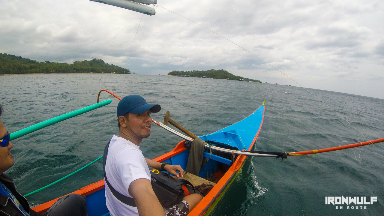 Boat to Sayaw Islet