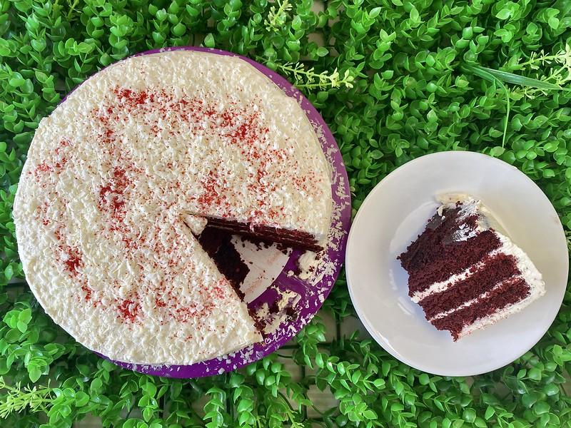 Lia's Cakes in Season, Kapitolyo