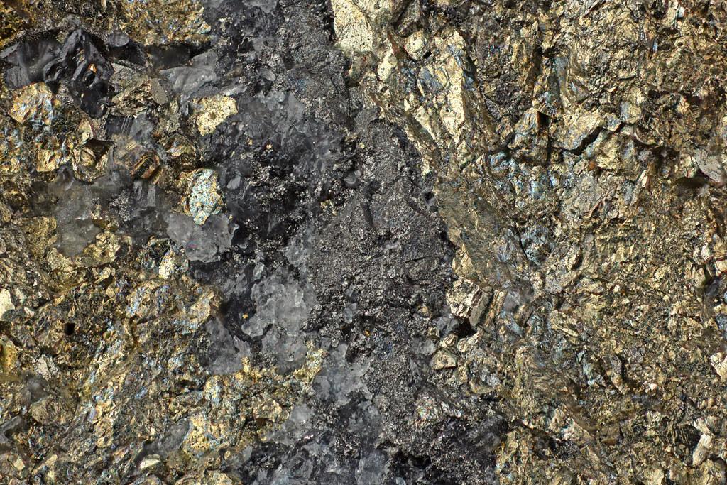 赤錫鉱 / Rhodostannite