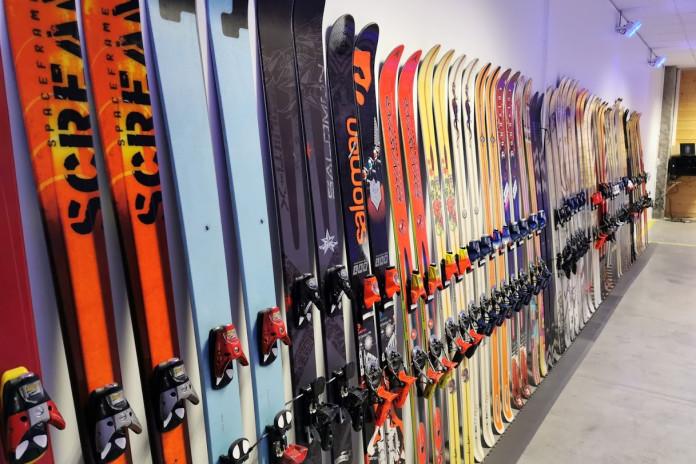 Legendární freeski lyže ve francouzském muzeu