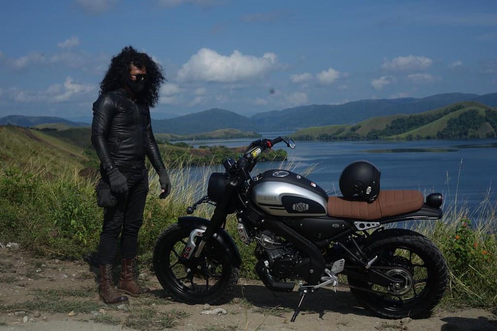 Dani Brekelle dengan motor Yamaha XSR 155