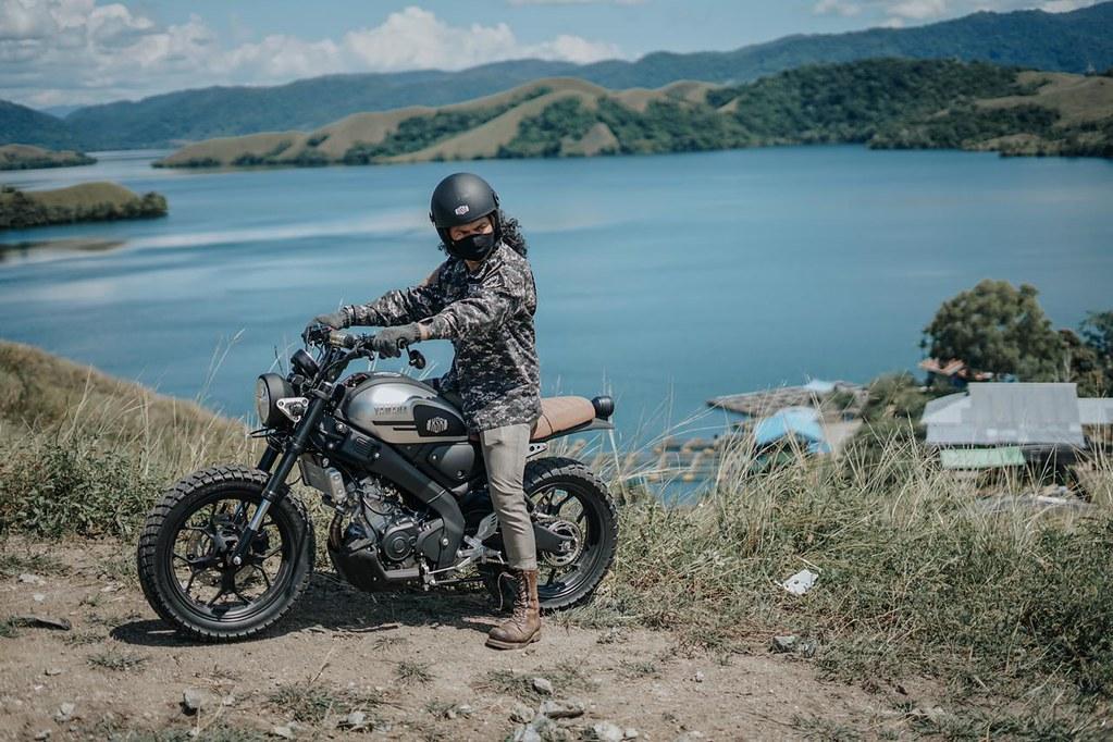 Dani Brekelle Touring dengan Yamaha XSR ke Papua