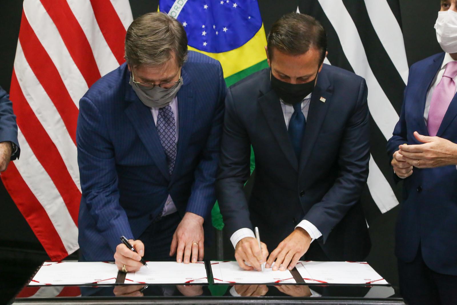Reunião com o Embaixador dos Estados Unidos da América no Brasil, Todd C. Chapman. + participantes.