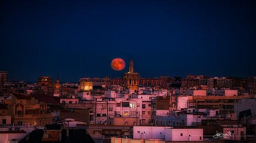 A la lluna de Valencia