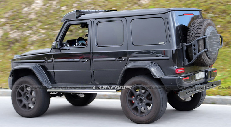 2021-Mercedes-G550-4x4-17