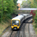 Southeastern Train No. 475189 approaches the up-platform at Bexleyheath