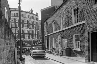 Skinner Place,  Belgravia, Kensington & Chelsea, 1988 88-4n-64-positive_2400