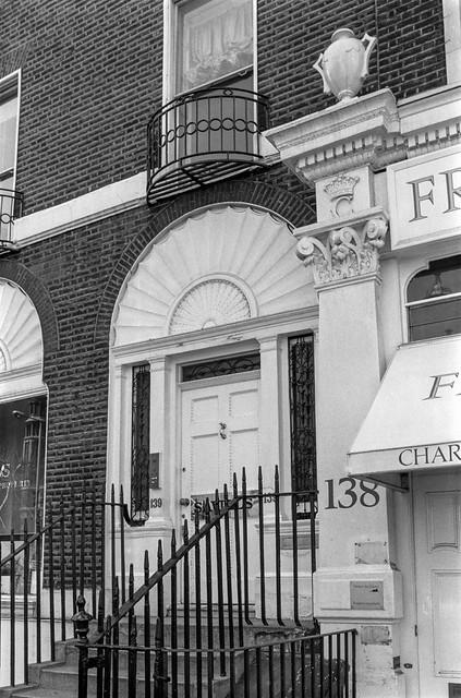 Savills, Sloane St, Sloane Square, Kensington & Chelsea, 1988 88-4n-61-positive_2400