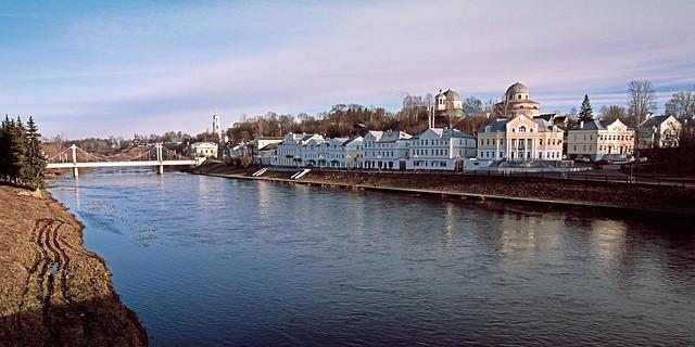 city embankment (Tvertsa river)