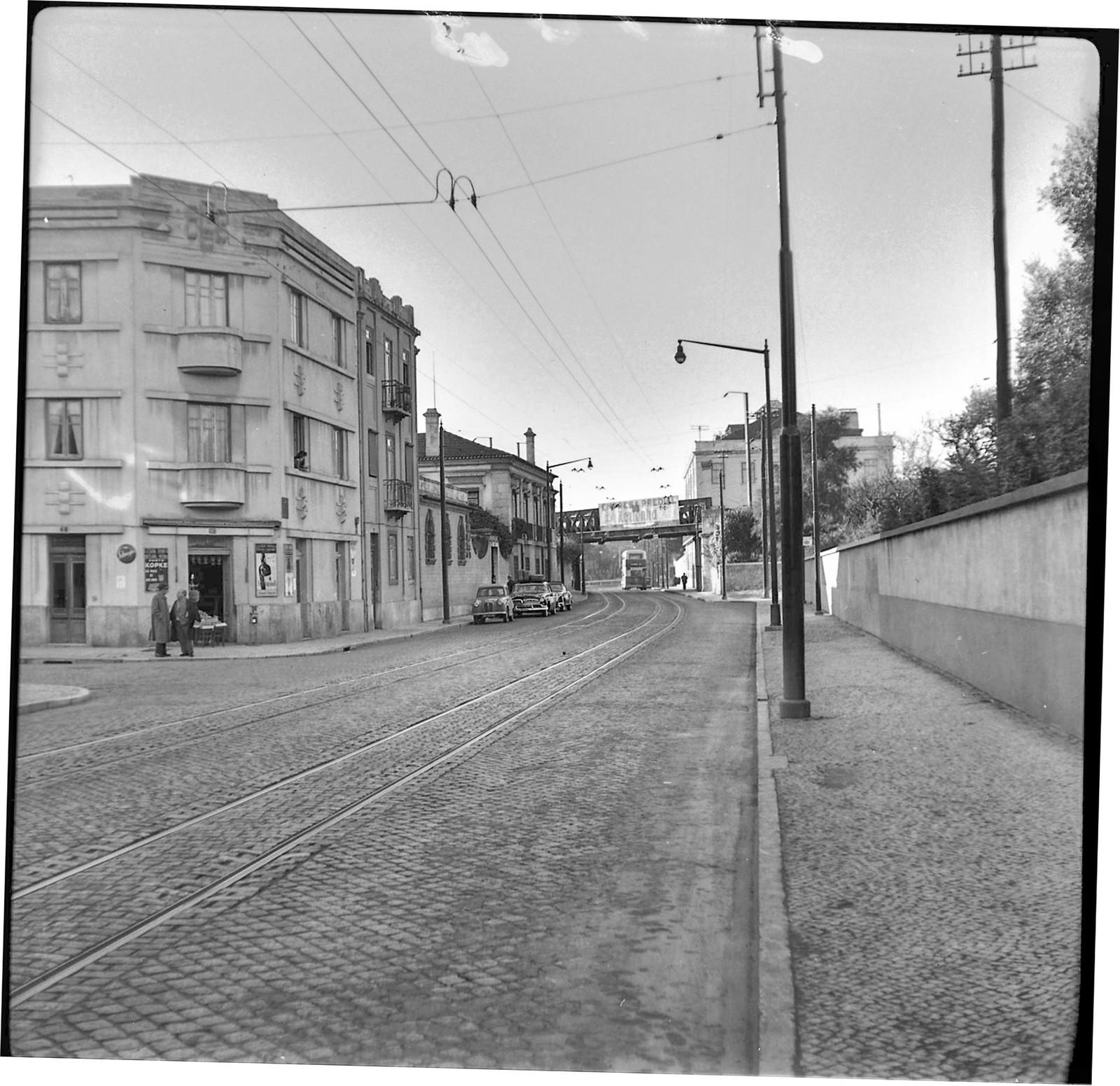 Estrada de Benfica entre a Palhavã e Sete Rios (A. I. Bastos, 1961)