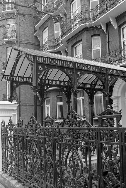 Drayton Gardens, South Kensington, Kensington & Chelsea, 1988 88-4o-23-positive_2400