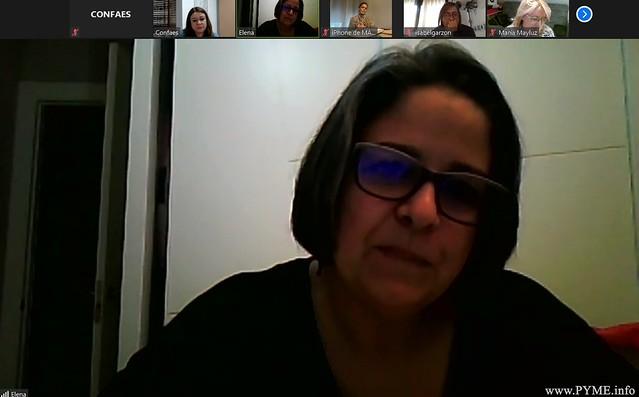 La presidenta de AESAL, Elena Borrego, durante el networking 'Nosotras'