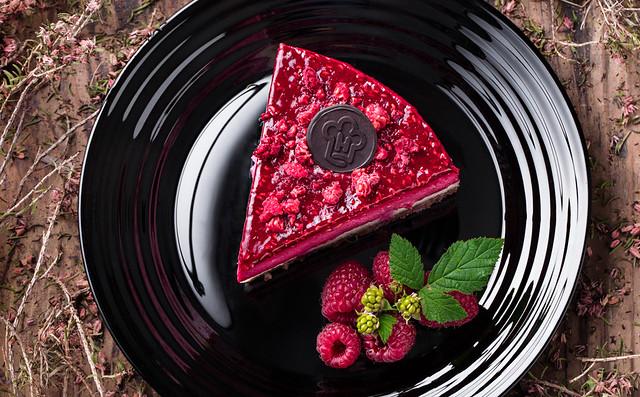 Raw Cake raspberry and coconut 6230