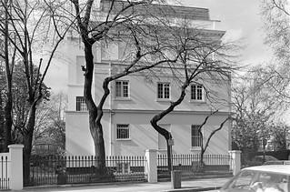 Fulham Road, South Kensington, Kensington & Chelsea, 1988 88-4r-54-positive_2400