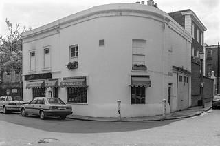 Blacklands Terrace, Bray Place, Chelsea, Kensington & Chelsea, 1988  88-4r-25-positive_2400